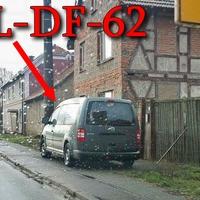 Blitzer auf der B 84 am OA Billleben an einer Einfahrt eines verlassenem Hauses, steht ein grauer VW Caddy Maxi (MHL-DF-62). 50 kmh. Richtung Allmenhausen.