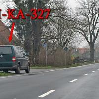 Blitzer auf der B 188 GF-Meinersen Richtung Burgdorf, in Abbeile der kurzen Ortschaft. Lasermessung aus der Frontscheibe des dunkelgrünen VW T5 Multivan (H-KA-327), sehr genial auch mit Warnwesten im Inneren zu sitzen. 50 kmh.