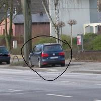 Blauer VW-CADDY, Rodigallee 200, Richtung Horn