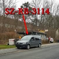 Blitzer in Gebhardshagen, Straße Delle, höhe Pizzaria Al Capone. Grauer VW Caddy Maxi (SZ-RB-3114), steht rechte Seite auf dem Gehweg geparkt. 30 kmh. Hier wird in meinen Augen keine Gefahrenquelle gesichert sondern eine geschaffen indem die Fußgänger auf die Straße ausweichen müssen!