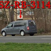Und weil er so schön Fotogen ist, der graue VW Caddy (SZ-RB-3114) in Salzgitter Thiede, Danziger Straße rechte Seite, nach der Fußgängerampel auf dem Radweg...wie immer 50 kmh.