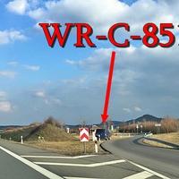 Blitzer auf der B6n Goslar Richtung Bernburg, am Rastplatz Regensteinblick, 100 kmh wegen Straßenschäden. Dunkelblauer VW T5 (WR-C-851) steht auf dem Rastplatz, ESO Anlage aufgebaut an der B 6n.