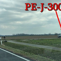 Blitzer zwischen Groß Lafferde und Klein Lafferde. 100 kmh. Grauer Citroen Berlingo (PE-J-3007) steht auf dem Feldweg, Anlage extern auf Stativ.