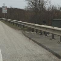 Blitzer steht zwischen Breitenfelde und Mölln an der Brücke kurz hinter dem Rastplatz. Achtung: Kein Messwagen sichtbar, da auf dem Wirtschaftsweg unter der Brücke positioniert. Messung findet auch manchmal auf der gegenüberliegenden Seite Fahrtrichtung Breitenfelde statt