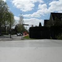 Dunkler VW, HH-HN 4591, Richtung Alter Zollweg