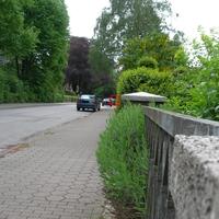 Vor der Schule Richtung Bahnhof, HH-HN 4591