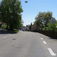 Von der Ortsmitte Liggeringen gen Dettingen fahrend, es gilt Tempo 40.