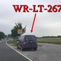 Grauer VW Caddy (WR-LT-267) steht wieder gegenüber vom Edeka-Center. 50 kmh. Auf der Halberstädter Straße, blitzt stadtauswärts. Richtung Silstedt / B 6n.