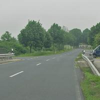 Blitzer auf der L 653 zwischen Danndorf und Grafhorst, nach der B 188 Brücke, an der Einfahrt zum Klärwerk. Beide Richtungen. 70 kmh. ESO Anlage. Beiger VW T5 (HE-QF-793) war versteckt hinter Büschen, nicht zu sehen.