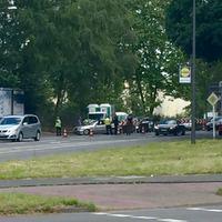 Kontrollstelle von Polizei und Zoll. Ecke Bremerhavener Straße/Neusser Landstraße. Die Kontrollstelle wird wohl wieder (wie in den letzten Jahren) bis fast Mitternacht betrieben und in den nächsten Tagen bis zum Festivalbeginn genutzt.