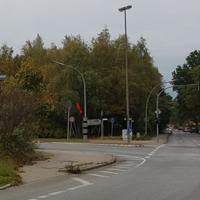 Stadtauswärts auf der Glashütter Landstr. Tonne steht Poppenbüttler Str. POLISCAN RED+SPEED