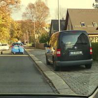 Mobiler Blitzer aus schwarzem Caddy beidseitig Chemnitz Bürgerstrasse vor Klinik.30 km/h