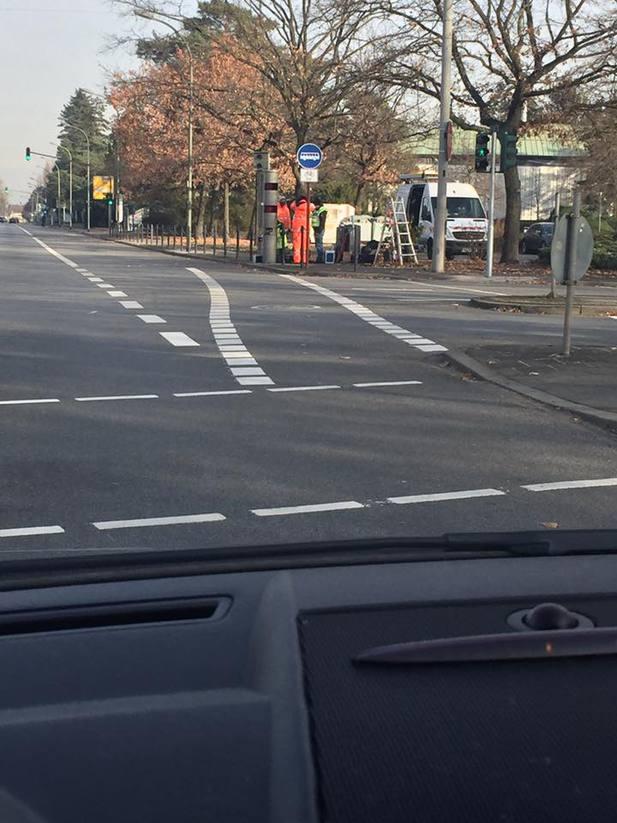 Normal_blitzer_am_friedhof