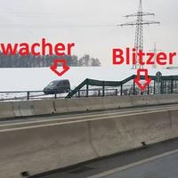 Etwa 5 bis 10 m hinter dem 60km/h-Schild wird gemessen. Das angepeilte Fahrzeug befindet sich zum Zeitpunkt der Messung eventuell noch in der 80km/h-Zone.