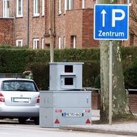 Irritierendes P - Hinweisschild Ratzeburger Allee  Ecke Nachtigallensteg ...