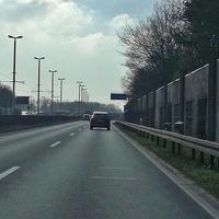 Blitzer auf der A395 Braunschweig Richtung Wolfenbüttel, zwischen den Abfahrten Melverode und Heidberg. Am 200 Meter Schild vor der Abfahrt Heidberg. 80 kmh. (Kurz nach dem Kreuz BS Süd/ Autohaus Voets).