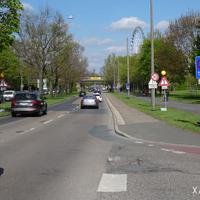 Von der Frankenstraße kommend: wenn Volksfest ist, gilt in der Bayernstraße beidseitig Tempo 30. Dies wird sehr häufig durch Polizei / Zweckverband überwacht!