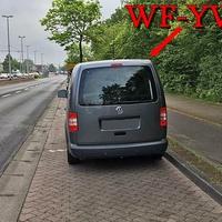 Blitzer auf der Berliner Straße, stadtauswärts. Grauer VW Caddy Maxi (WF-YW-925),  steht gegenüber von Real, auf der rechten Seite in den Parkbuchten. 50 kmh.