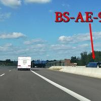 A 39 Salzgitter Richtung Wolfsburg, im Dreieck Braunschweig-Süd-West, kurz nach der Auffahrt BS Rüningen Nord, am Ende der Betonmauer. Kurz vor der Zusammenführung mit der Bogen-Einfädelung der A 391. 80 kmh.
