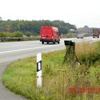 Richtung Hamburg, Tempo 100 wg. Straßenschäden