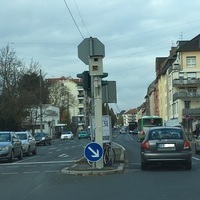 Offenbach Waldstrasse, Fahrtrichtung stadteinwärts, Kreuzung Odenwaldring (B43)