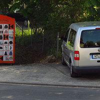 Der in der Mehlenstraße abseits geparkte Messwagen aus der Nähe