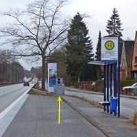 Richtung Innenstadt / St. Lorenz Nord fahrend, kurs vor dem Sportplatz direkt an der Bushaltestelle  JUNGBORN steht der semistationäre Anhänger bis Dienstag Abend ... Dann wird er für eine Woche anderswo stationiert ...