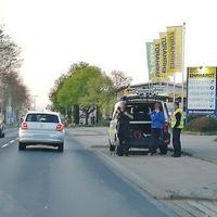 Lasermessung auf der Gifhorner Straße, stadtauswärts. Kurz vor der Jet-Tankstelle, höhe Reifen Erhardt. 50 kmh.