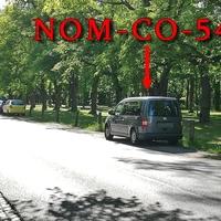 Blitzer auf der Georg Westermann Allee, stadteinwärts, vom Brodweg aus kommend. Rechts in dem Parkstreifen am Prinzenparkt, geparkter grauer VW Caddy Maxi (NOM-CO-549). 30 kmh.