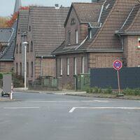 Anfahrt von der Buschstr.Meßwagen steht hinter der Bäckerrei links.