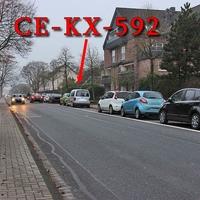 Blitzer in Celle, auf der Windmühlenstraße, Richtung B3 / Aral Tankstelle. Rechts in den Parkbuchten geparkter silberner VW Caddy (CE-KX-592). 30 kmh.