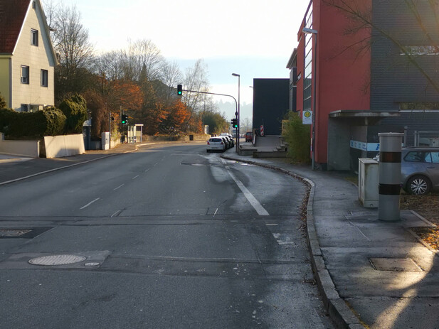 Normal_tuebingen-ortseingang-hagellocherweg02