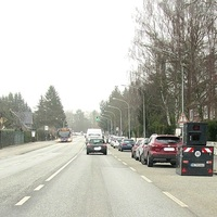 Anhänger steht  von Moislinger Allee kommend in Rtg. Ziegelstrasse fahrend in Höhe des SeniorenHeim ... bis etwa 27.01.2020