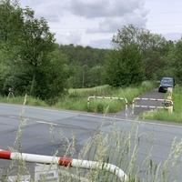 Eine gerne angefahrene Messstelle liegt auf der L722, von Wilnsdorf kommend Richtung Rudersdorf/Anzhausen, auf Höhe des kreuzenden Fahrradweges. Gemessen wir in beide Richtungen. Die Stelle liegt direkt beim Industriegebiet.  Als Messgerät diente der ES8.0, Messfahrzeug war ein schwarzer Ford.