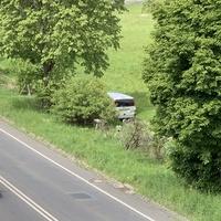Beidseitige Messung auf der L722 in Wilnsdorf, zwischen den Kreiseln Höhwäldchen und B54/Autobahnzubringer. Die Messstelle liegt auf Höhe des Bauhofes. Messwagen war ein silberner Mercedes Vito.