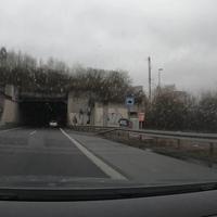 Blitzer auf der HTS am Ende des Ziegenbergtunnels, FR Kreuztal. Geblitzt wurde mit dem ES8.0, der Messwagen stand neben dem Tunnel und war nicht zu sehen.