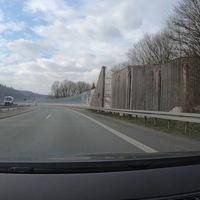 Kontrolle auf der HTS zwischen Buschhütten und Kreuztal, FR Kreuztal, im 80er Bereich am Ende der Lärmschutzwand. (Bild 1)
