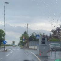 Semistation seit 03.06.  Am Zebrastreifen am Ortseingang/-ausgang, 30 km/h, beide Richtungen.