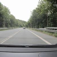 Auf der Peimbachtalbrücke, hier in FR Freudenberg. In diese Richtung sind 70 erlaubt.