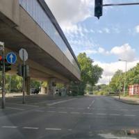 Parkgürtel Fahrtrichtung Ehrenfeld, an der Bahnhaltestelle Escher Straße. 50 km/h. Semistation, seit 15.07. durchgehend aktiv!