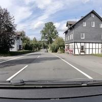 In Altenteich, B62, zwischen Lützel und Erndtebrück. FR Erndtebrück. Ich konnte allerdings nicht erkennen, ob in diese Richtung auch kontrolliert wurde.