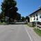 Anfahrt aus richtung Gmund / Bad Wiesse auf höhe Holzeralmweg . Wir sind ca 450m  vor blitzeranlage