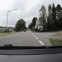Kurz hinter dem Ortseingang Derschen, FR Friedewald.