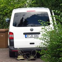 Messwagen VW T 6 (N-JS 106). Daneben gibt es noch einen in weiß mit N-KG 1010.