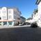 Anfahrtansicht . Hinter uns liegt ein Stadttor ( und bereich wo 30 gilt ) und  wir fahren in Altstadt von Bad Tölz